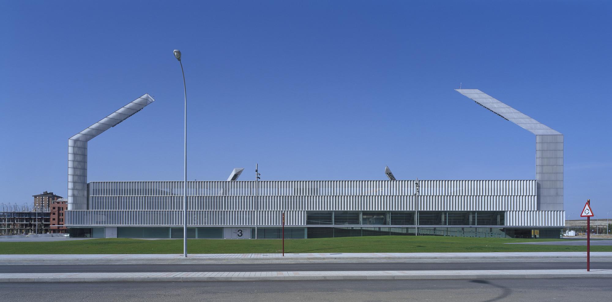 Soccer Stadium La Balastera / Francisco Mangado, © Roland Halbe