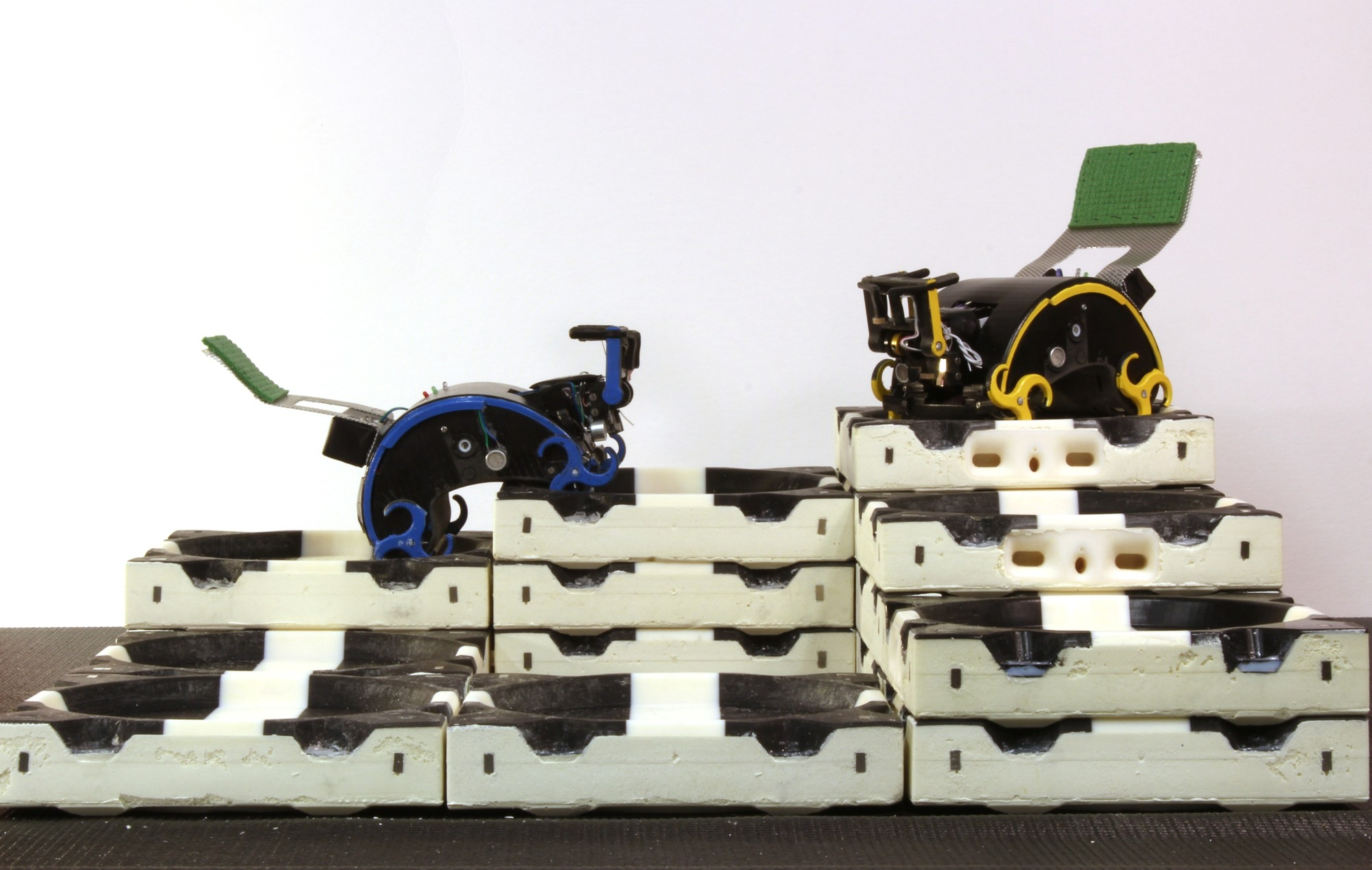 TERMES: Un escuadrón robótico que construye Estructuras Modulares, © Radhika Nagpal