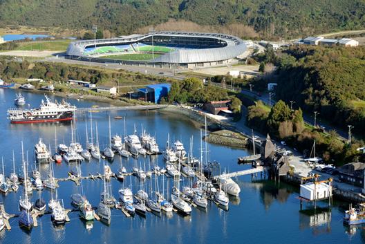 Estadio Chinquihue de Puerto Montt entre los 10 Mejores Estadios del 2013, © Felipe Díaz Contardo / Fotoarq