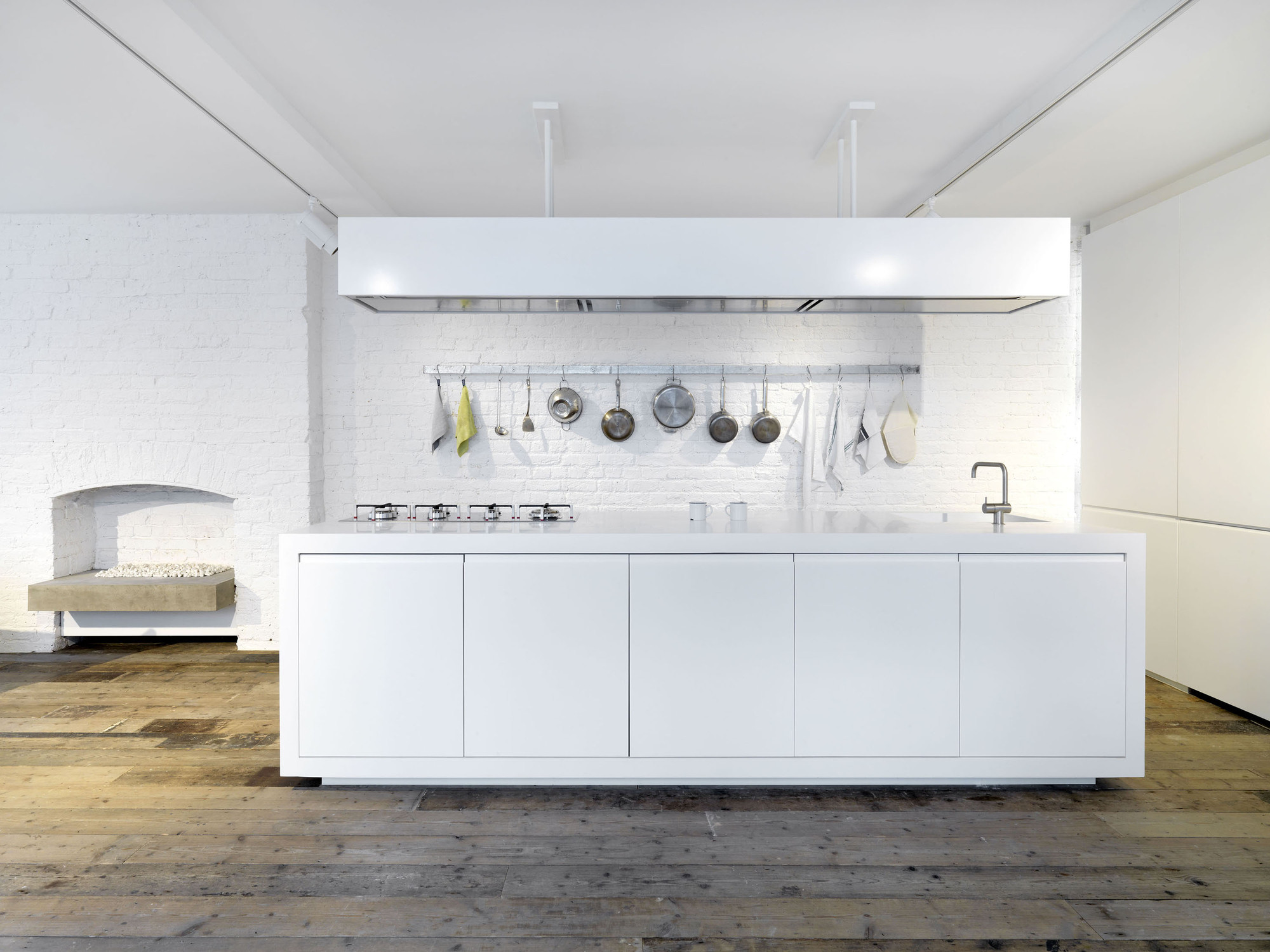 Gallery of bermondsey warehouse loft apartment form design architecture 8 - The apartment in the warehouse ...