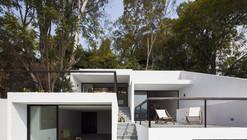 House of Stairs / Dellekamp Arquitectos