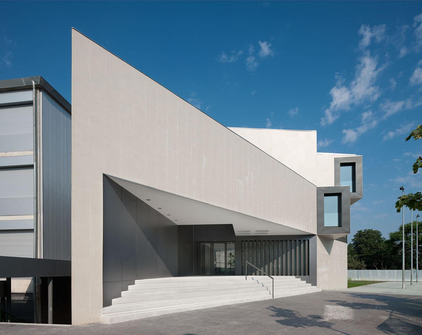 Gallery of new building for el redin school in pamplona - Arquitectos en pamplona ...