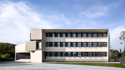 "New building for ""El Redin"" school in Pamplona  / Otxotorena Arquitectos"