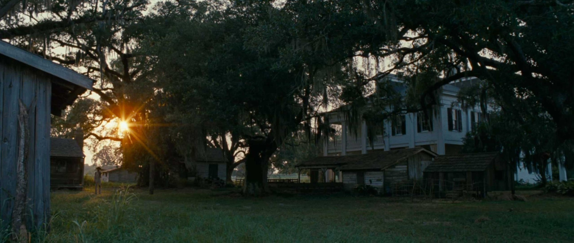 "Steve McQueen: A Master of Architecture in Film, Plantation in ""12 Years a Slave"". Image Courtesy of indienyc.com"