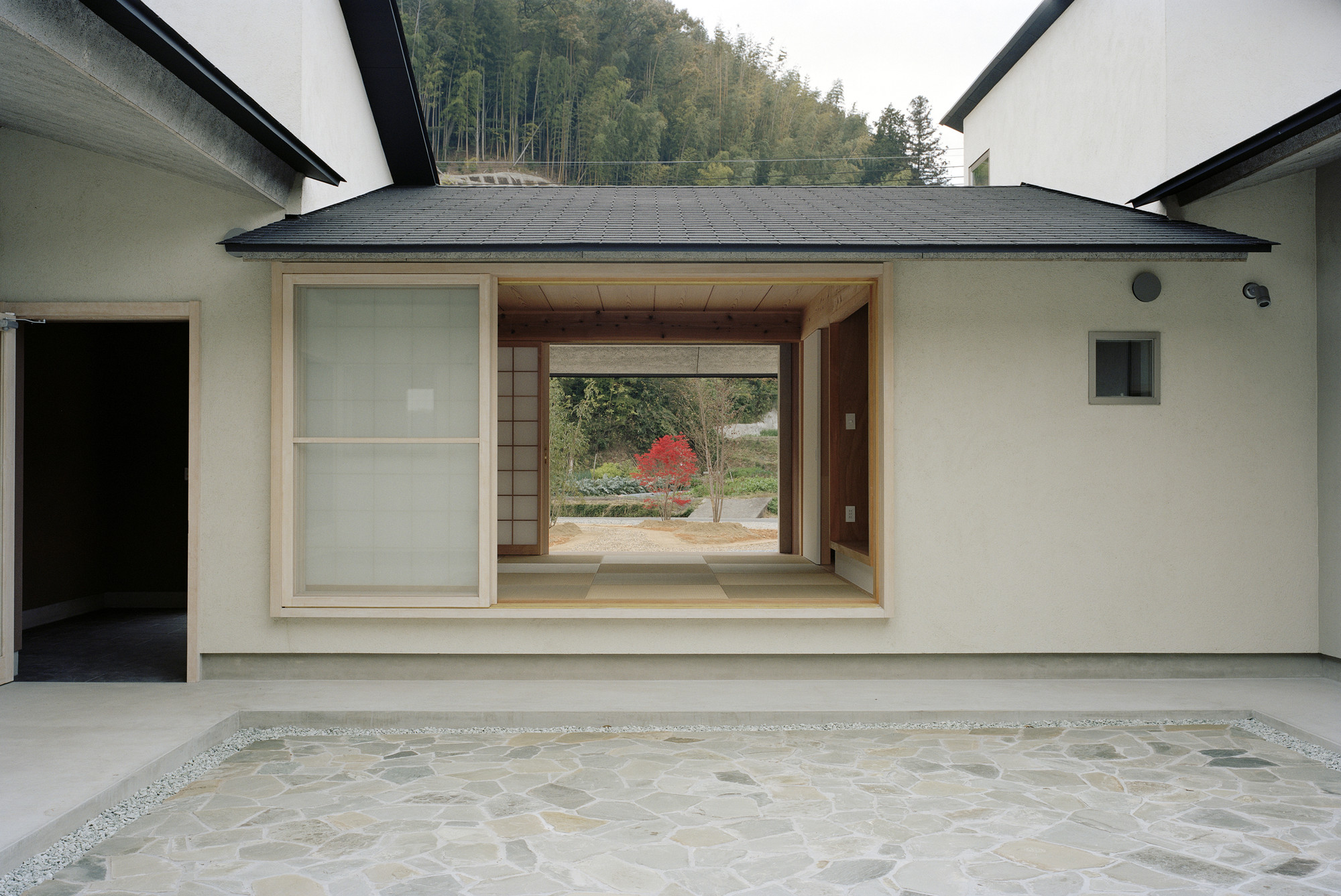 House in Yokawa / Mosaic Design, © Takeshi Yamagishi