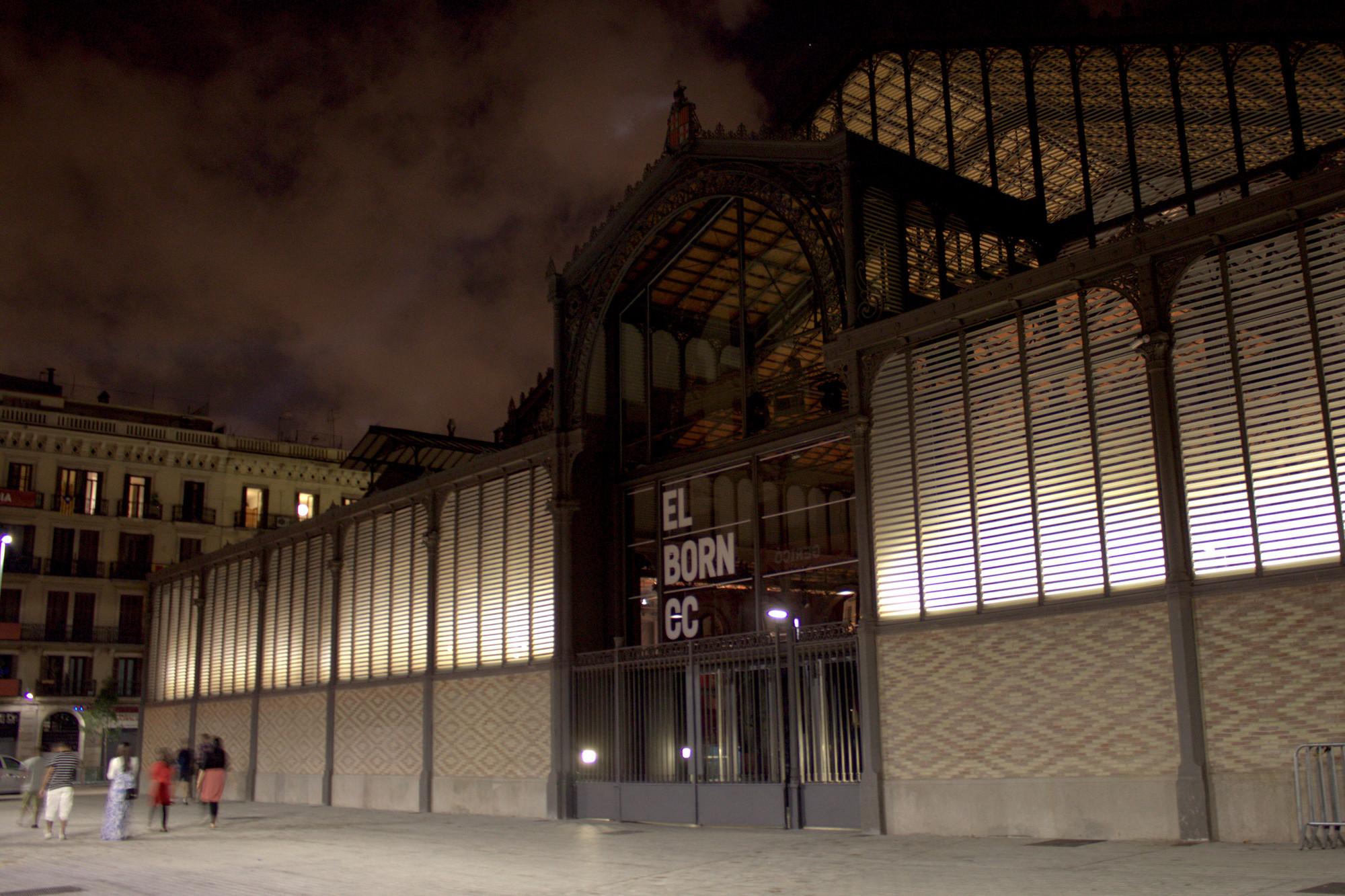 Premios Ciutat de Barcelona: el Mercado del Born gana la categoría de  Arquitectura y Urbanismo, © Anoche Iluminación Arquitectónica
