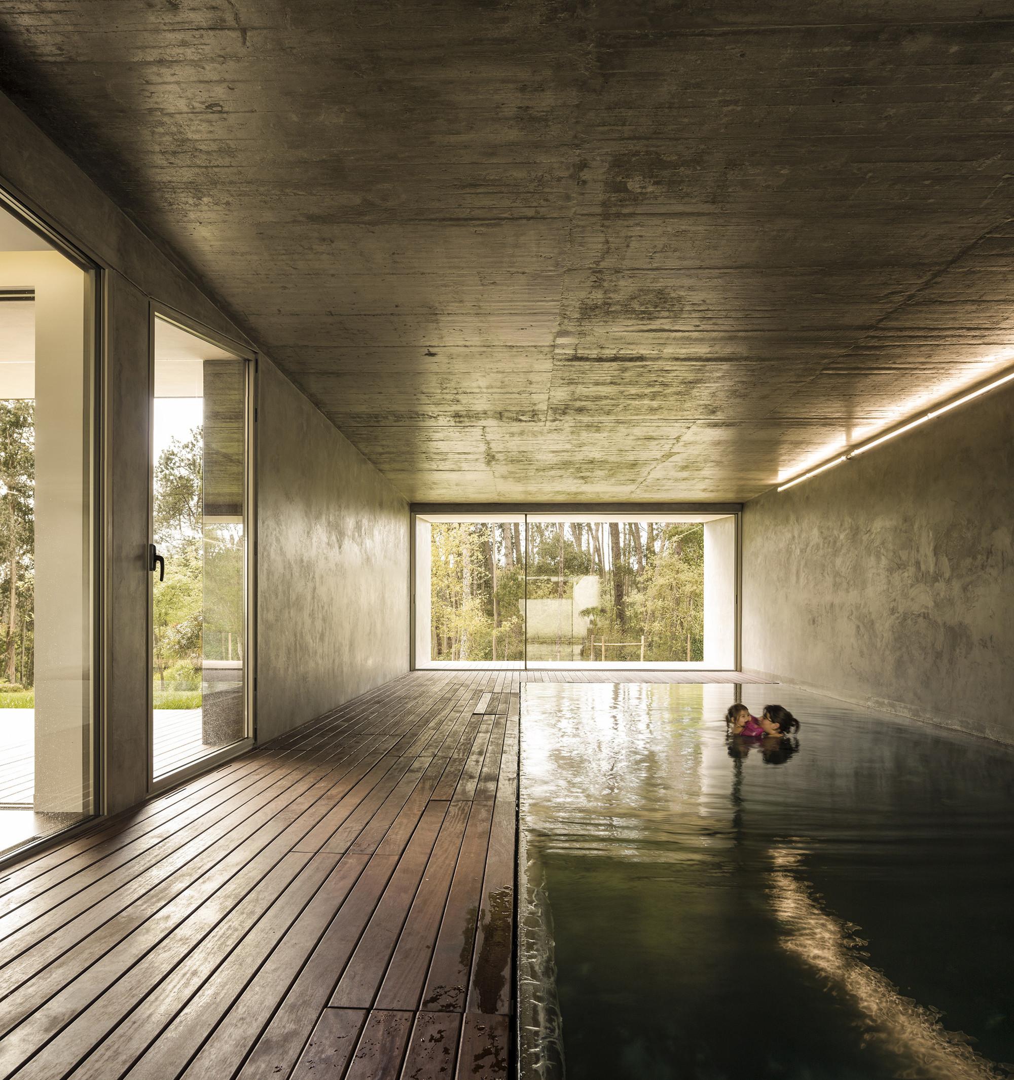 the hill cork house / contaminar arquitectos | archdaily