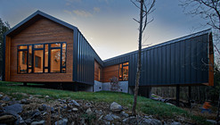 Holston River House / Sanders Pace Architecture