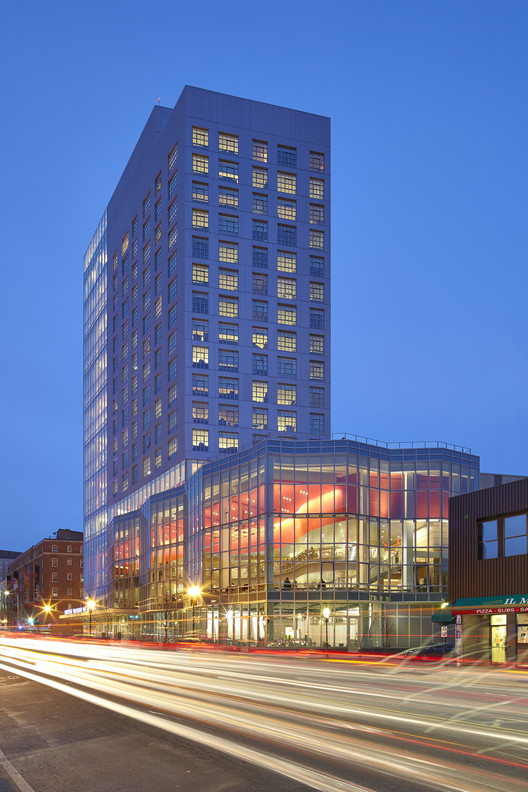 Berklee College of Music / William Rawn Associates, © Bruce T. Martin Photography