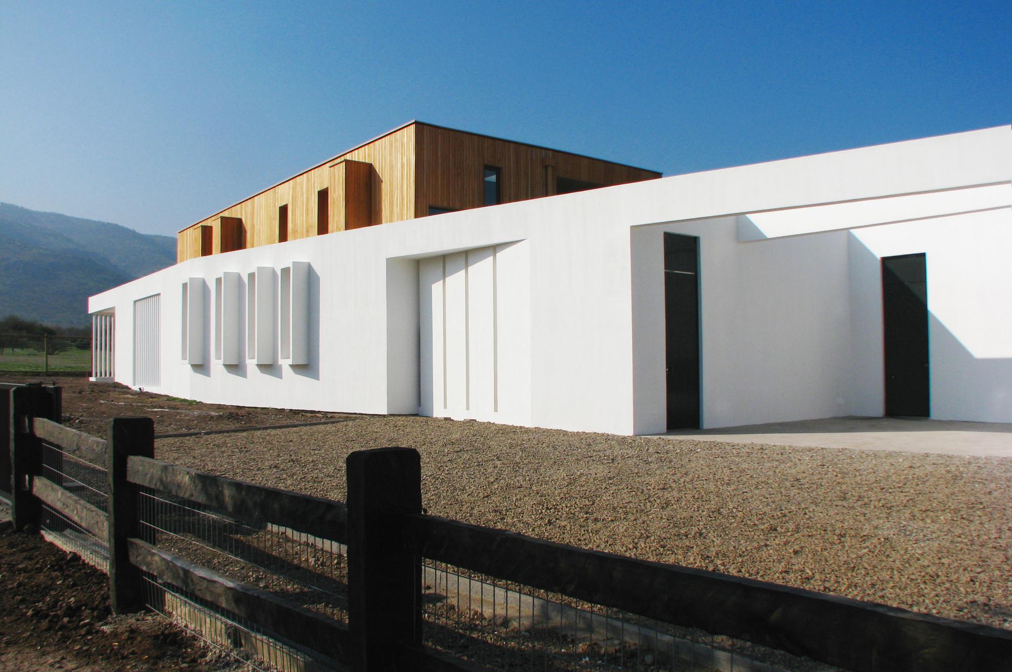 VER House / Bmrg Arquitectos, © Sebastian Thomas