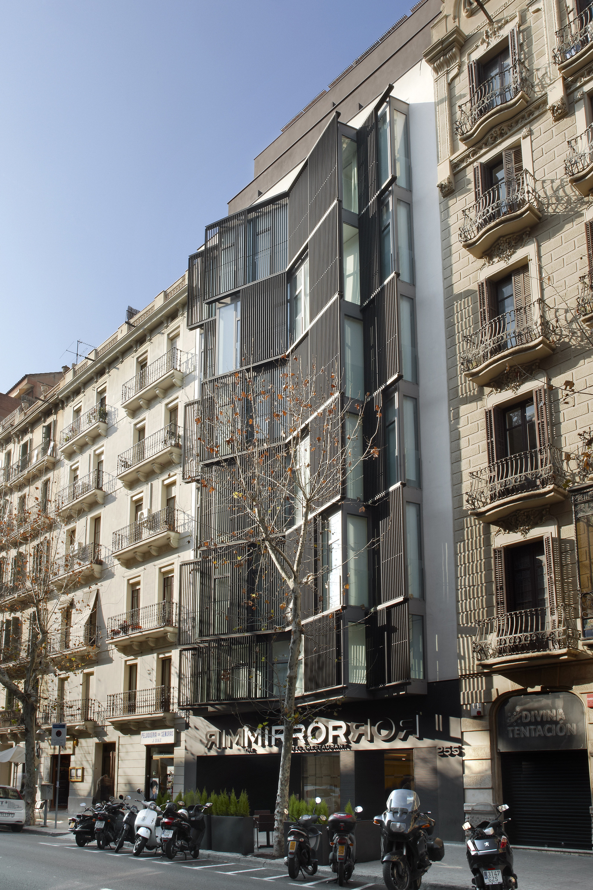 Gallery of hotel the mirror barcelona gca arquitectes 3 for Mirror hotel