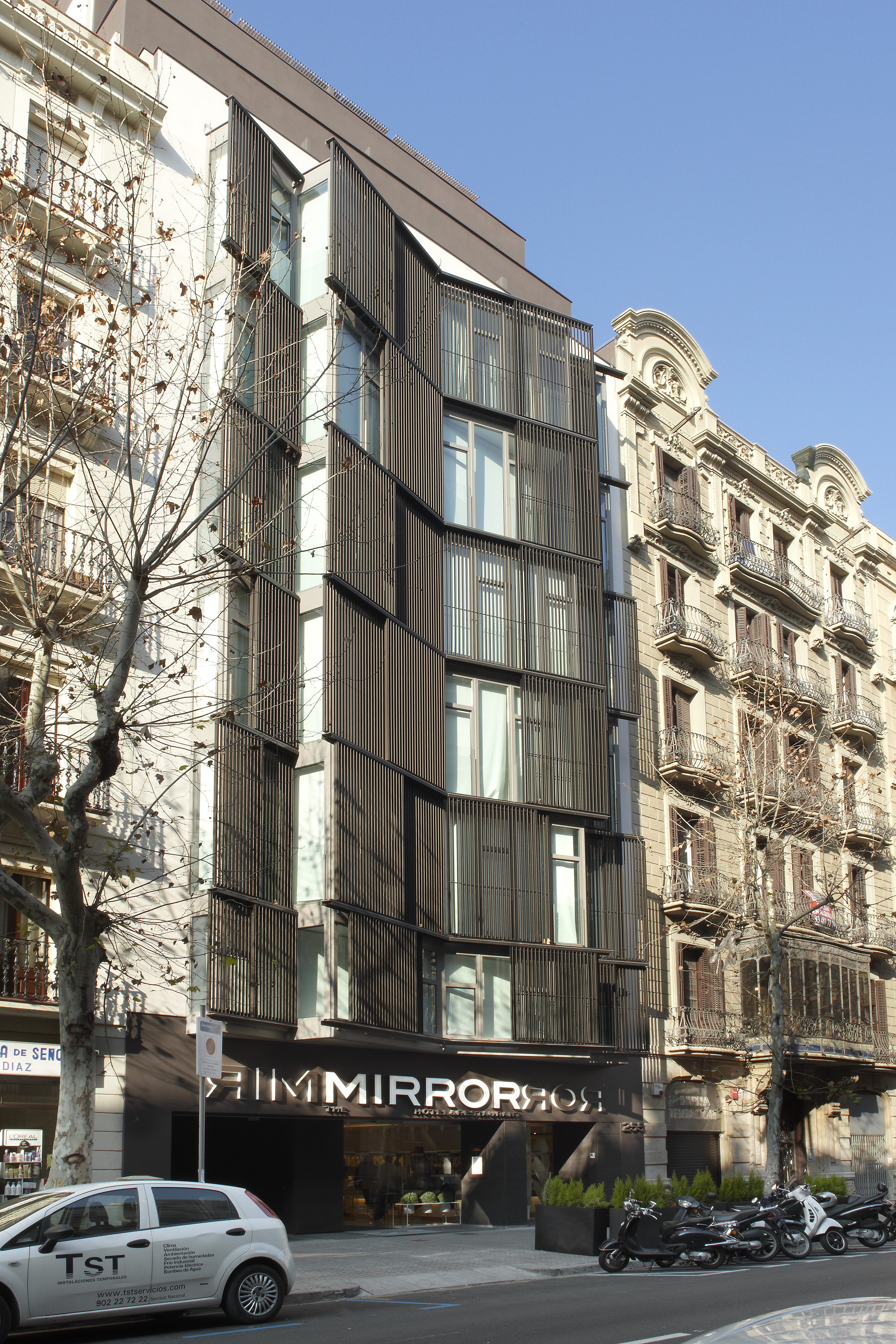 Gallery of hotel the mirror barcelona gca arquitectes 1 for Hotel the mirror