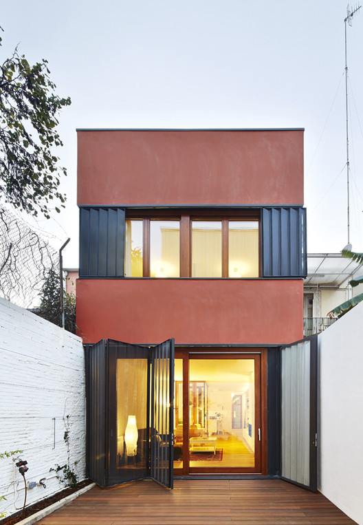 Vertical Patio House / Estudi NAO, © José Hevia