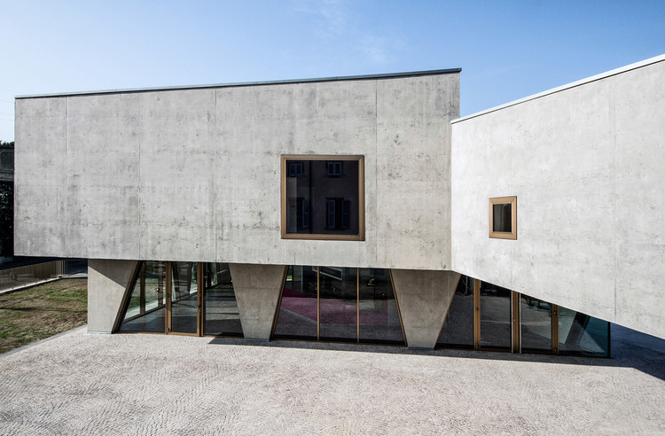 Centro Parroquial / Gianluca Gelmini, © Andrea Martiradonna
