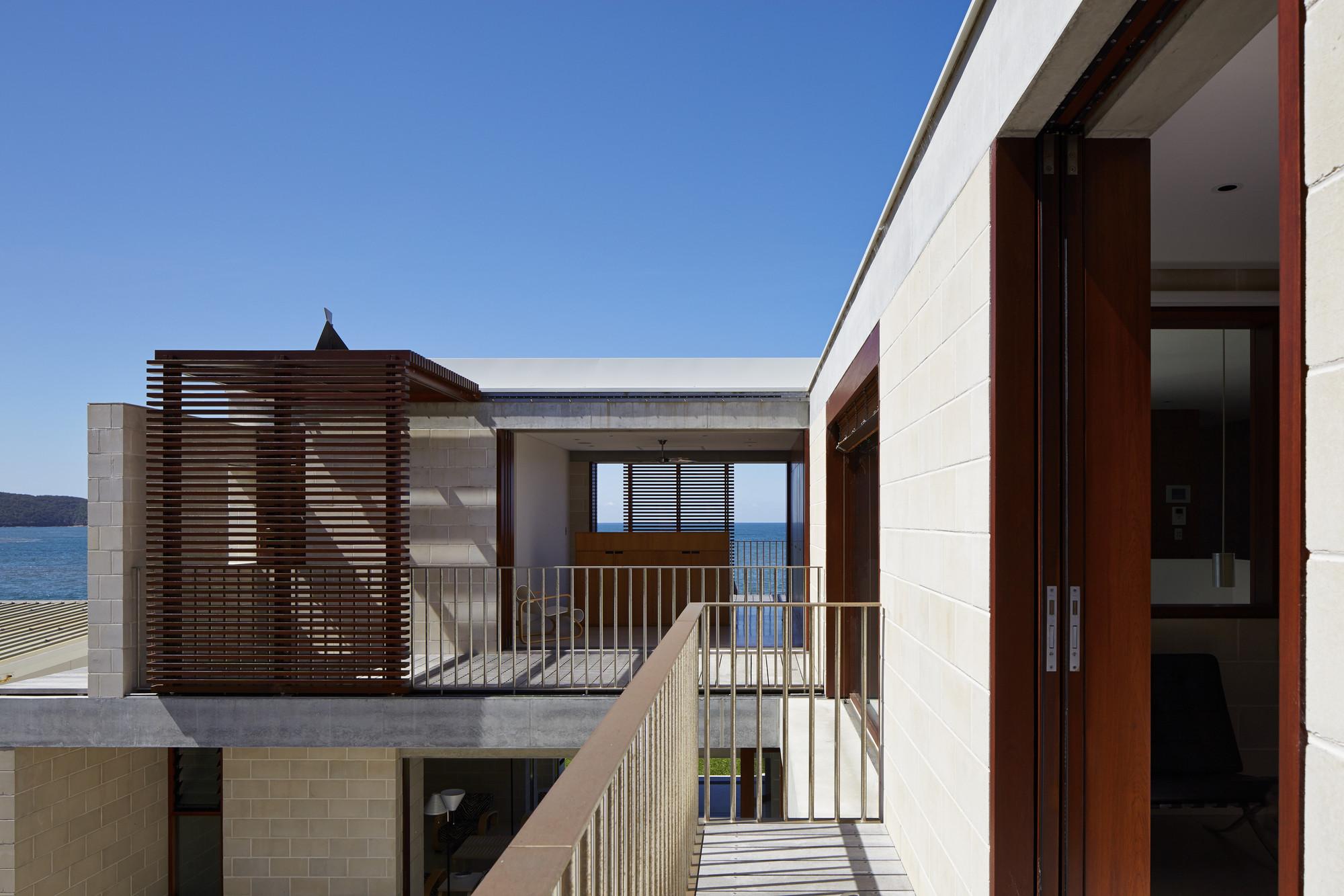 gallery of block house porebski architects 7. Black Bedroom Furniture Sets. Home Design Ideas