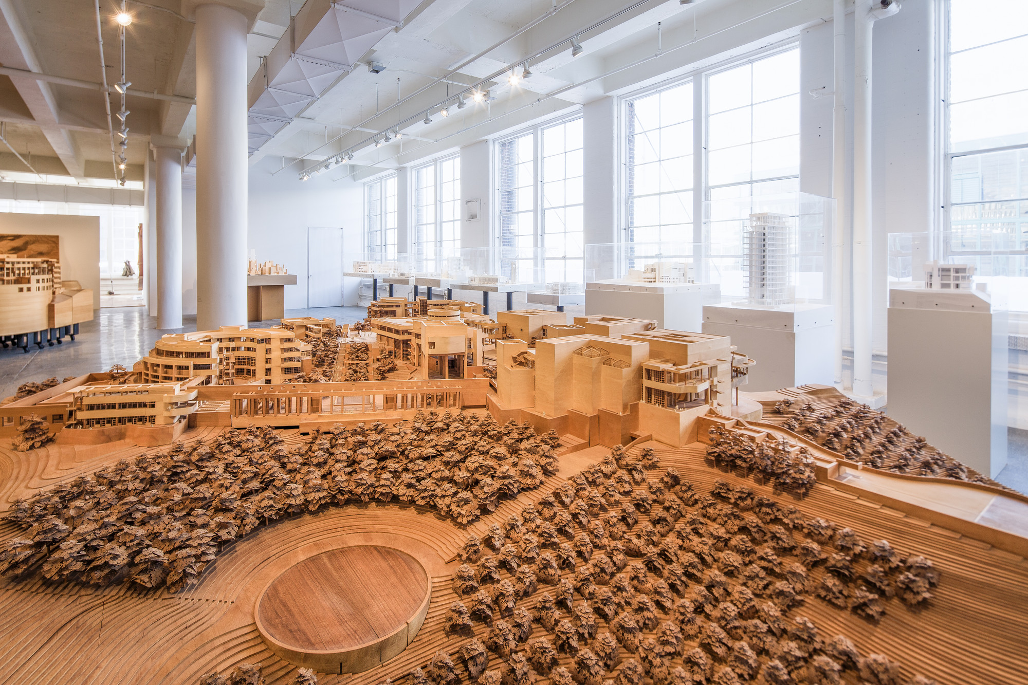 Richard Meier Model Museum Opens at Mana Contemporary, © Steven Sze
