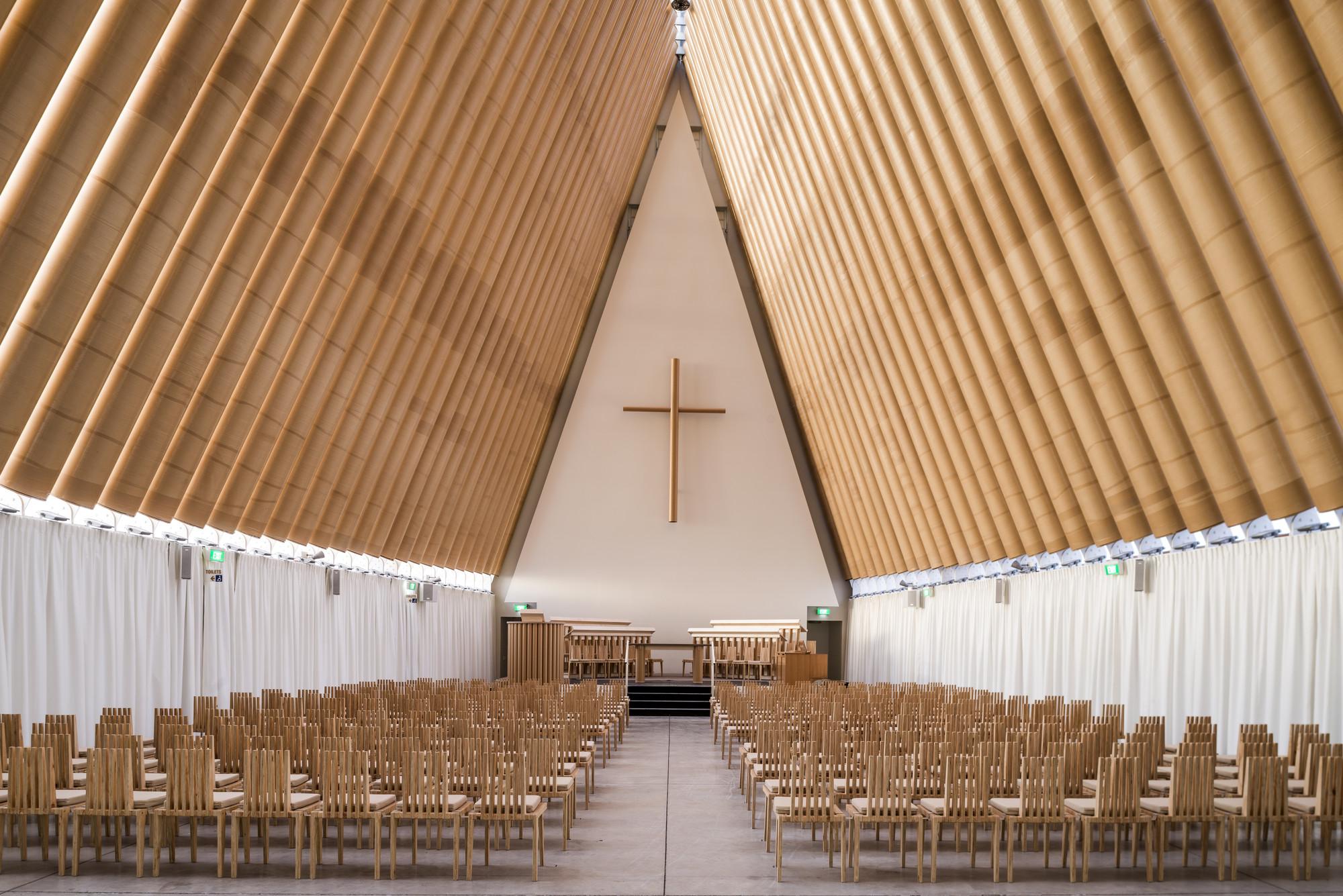 Catedral Cardboard . Imagem © Stephen Goodenough