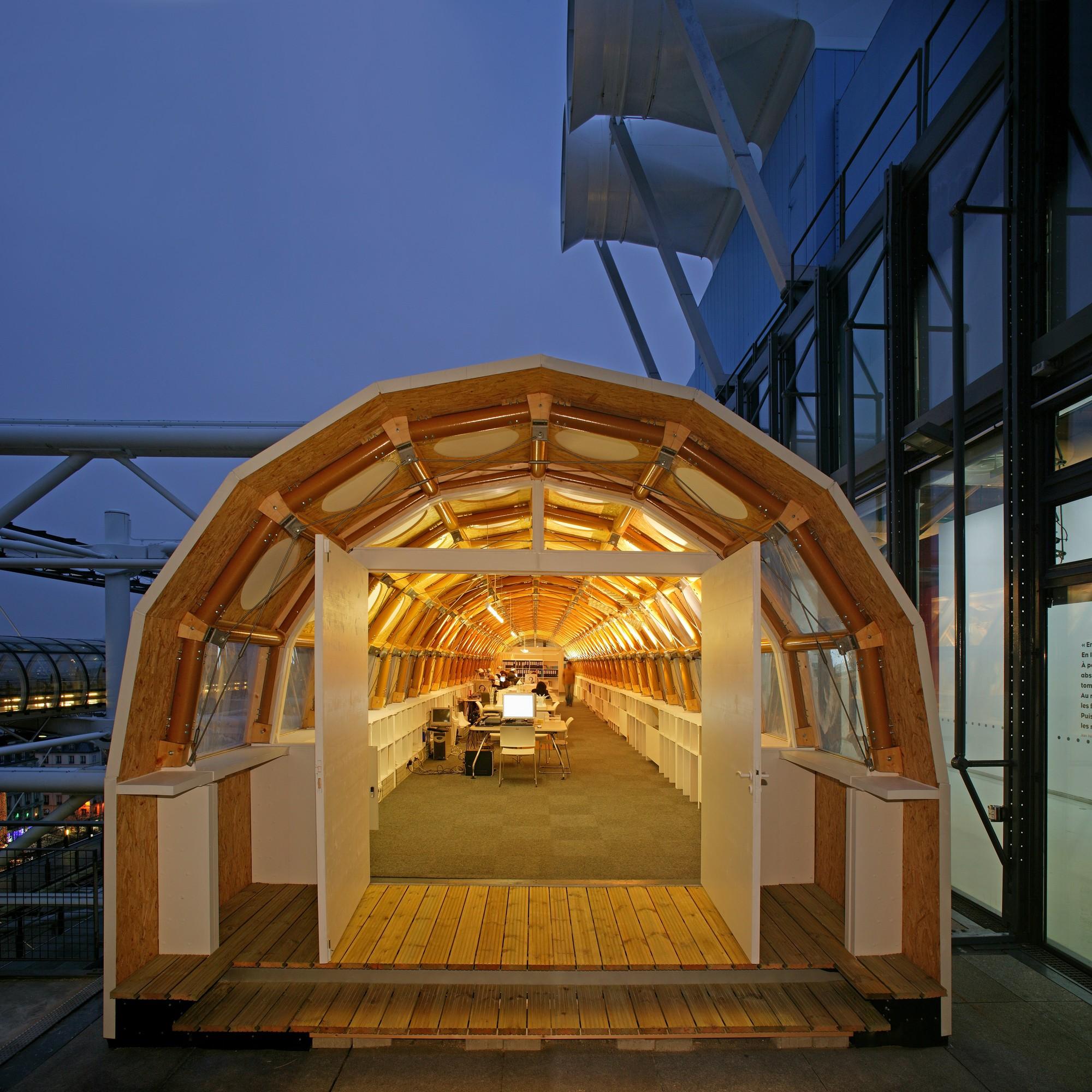 Estudio Temporario de Papel, ubicado en el techo del Centro Pompidou en Paris. Imagen ©Didier Boy de La Tour