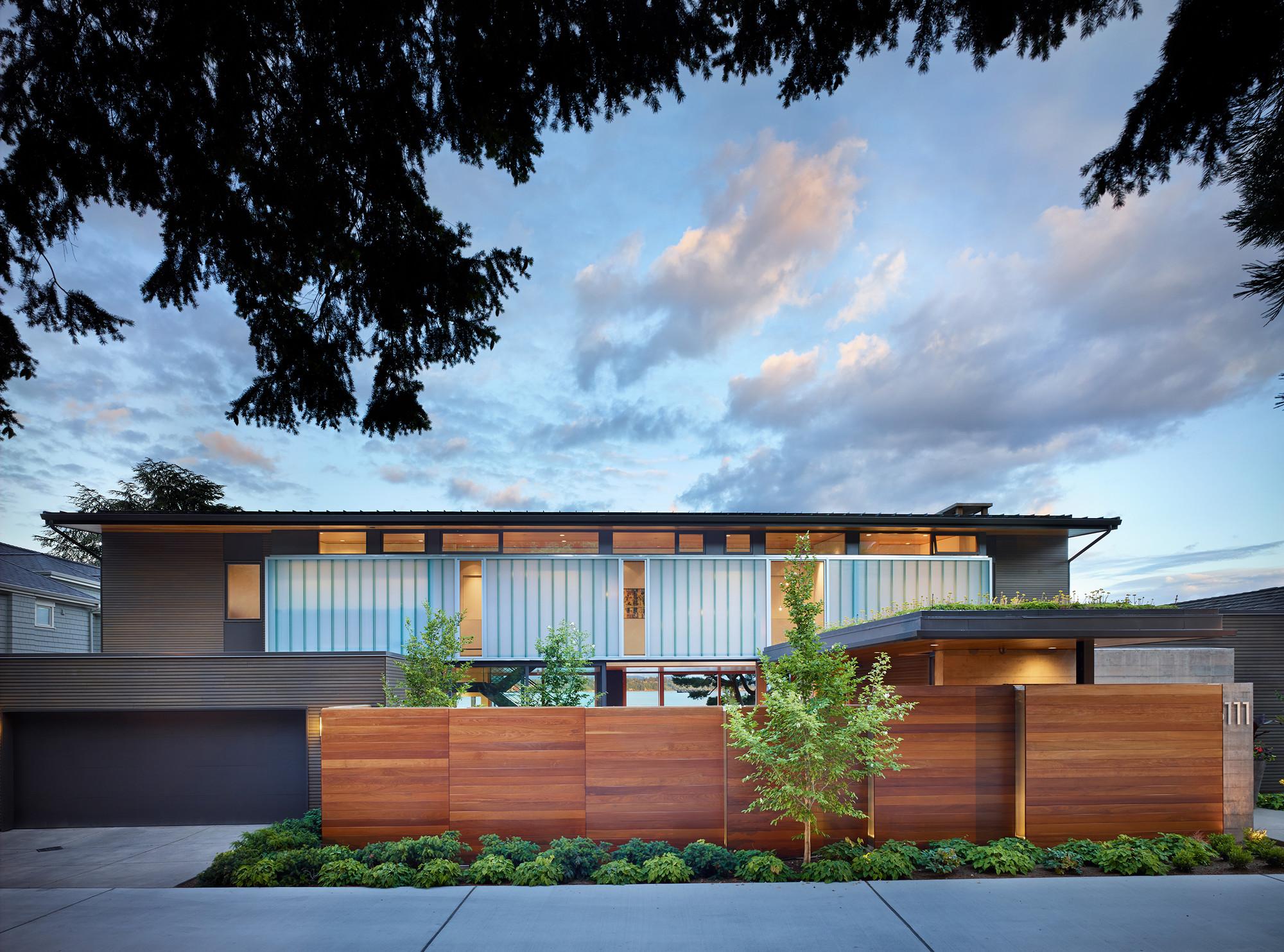 Courtyard House / DeForest Architects, © Benjamin Benschneider
