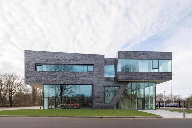 Estación de Bomberos en Doetinchem  / Bekkering Adams architects, © Ossip van Duivenbode