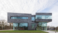 Estación de Bomberos en Doetinchem  / Bekkering Adams architects
