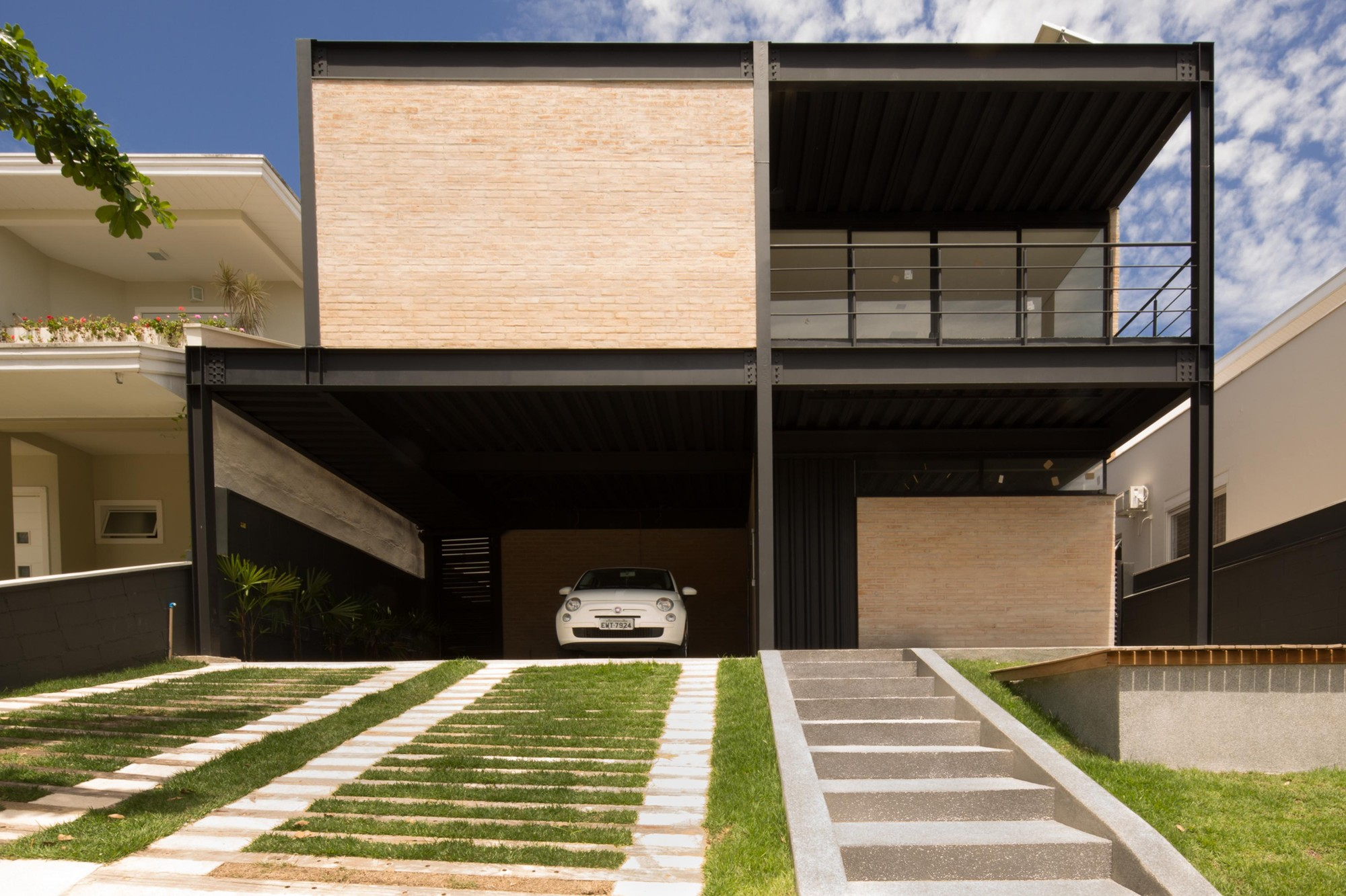 Gallery of house 63 sonne m ller arquiteto civitas 1 - Estructuras de acero para casas ...