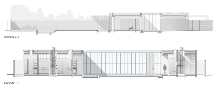 Cortes: Casa Patio / Undurraga Devés Arquitectos