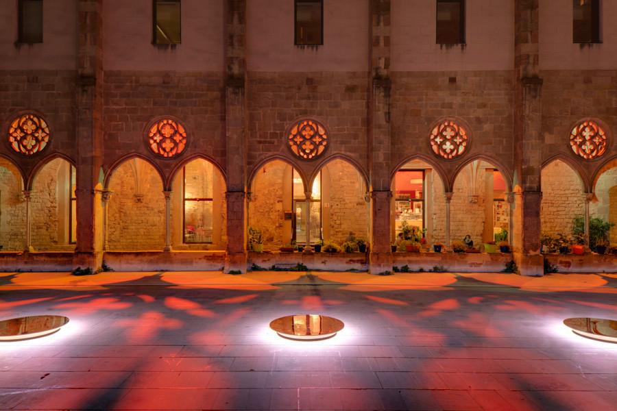 Instalación Festival LlumBCN 2014:  La memoria del Espejo por Lupercales, © Álvaro Valdecantos