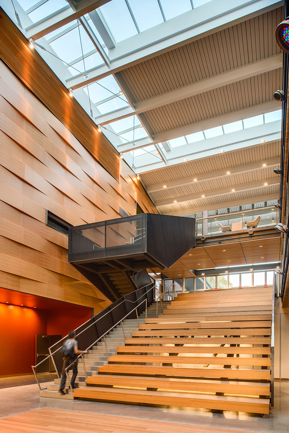 Gallery of 2014 u s wood design award winners 7 for Architecture suspendue