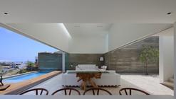 Casa La Caleta  / Llosa Cortegana Arquitectos