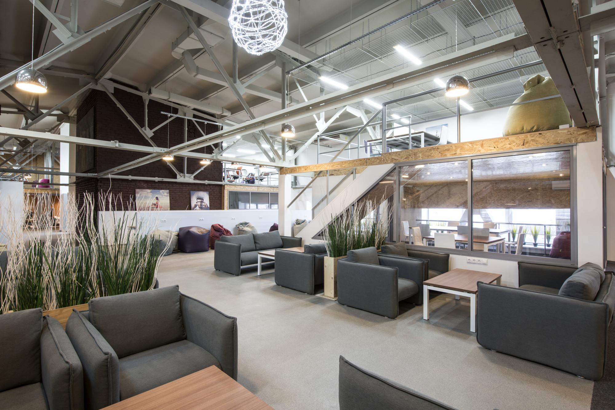 Gallery of nagatino 2 0 coworking center ruslan aydarov for Architecture studio design company