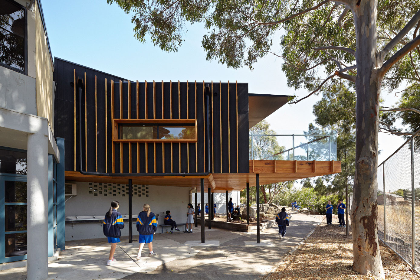 Renovation and Extension At St Monica's College / Branch Studio Architects, © Nils Koenning