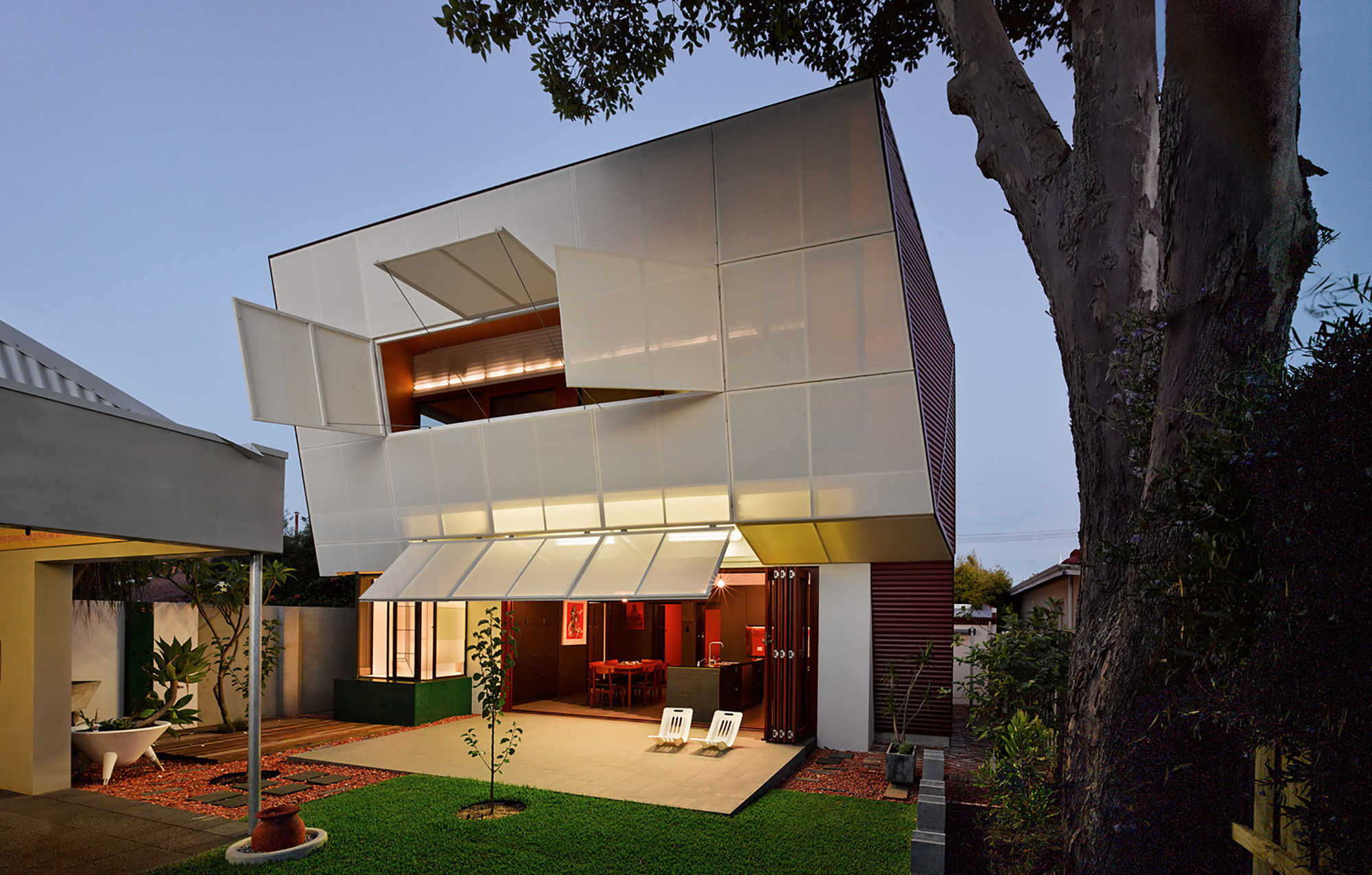 Casa 31_4 Room House / Caroline Di Costa Architect + Iredale Pedersen Hook Architects, © Peter Bennetts