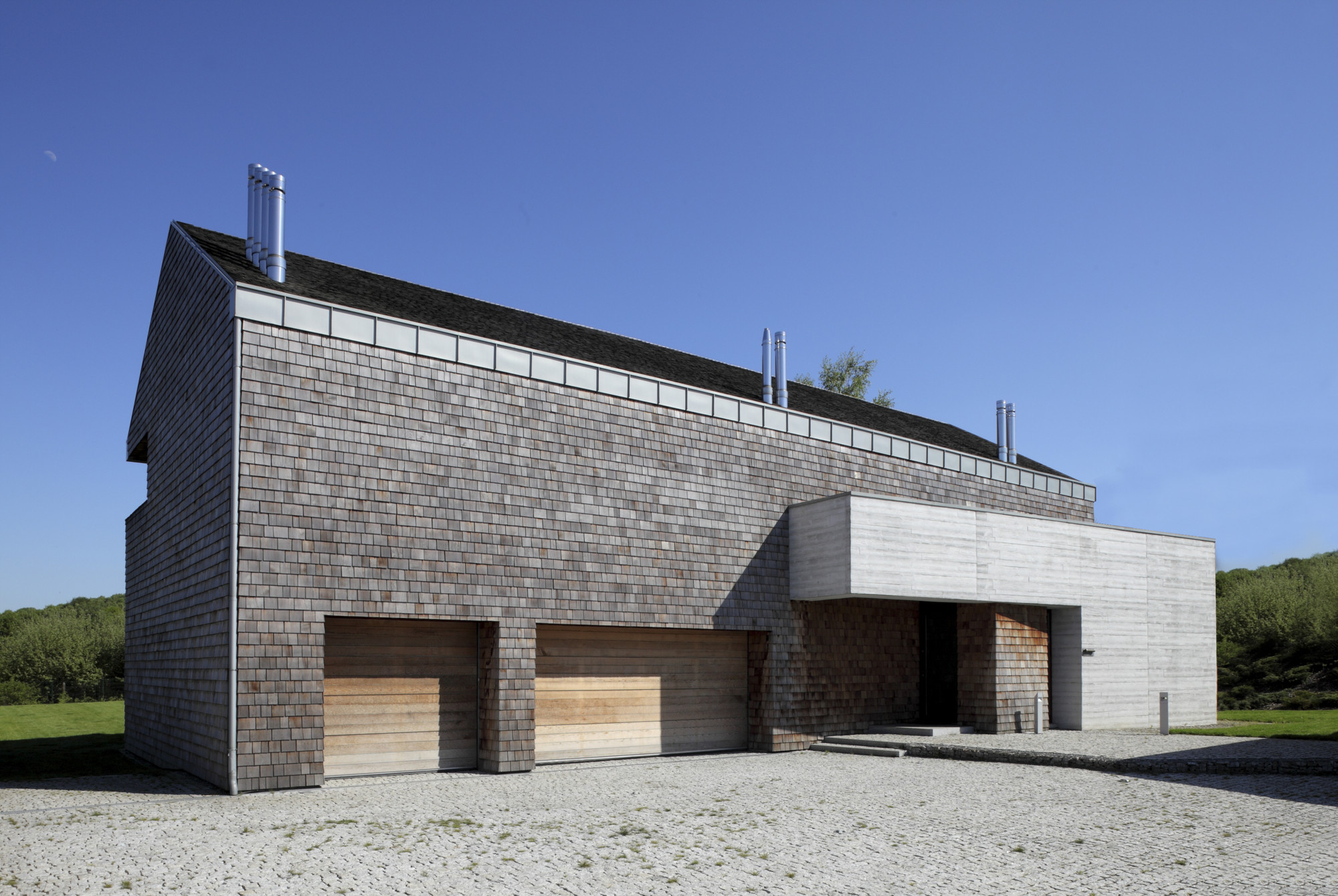 Concrete and Cedar Lath Villa / Biuro Architektoniczne Barycz & Saramowicz, Courtesy of Biuro Architektoniczne Barycz & Saramowicz