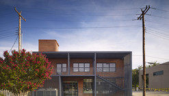Lingo Construction Services / Elliott + Associates Architects