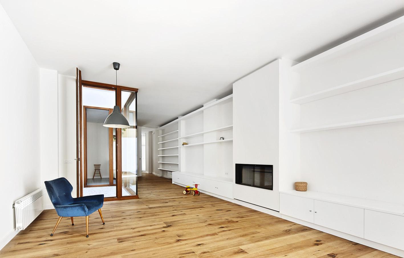 Casa Patio Vertical / Estudi NAO . Image © José Hevia