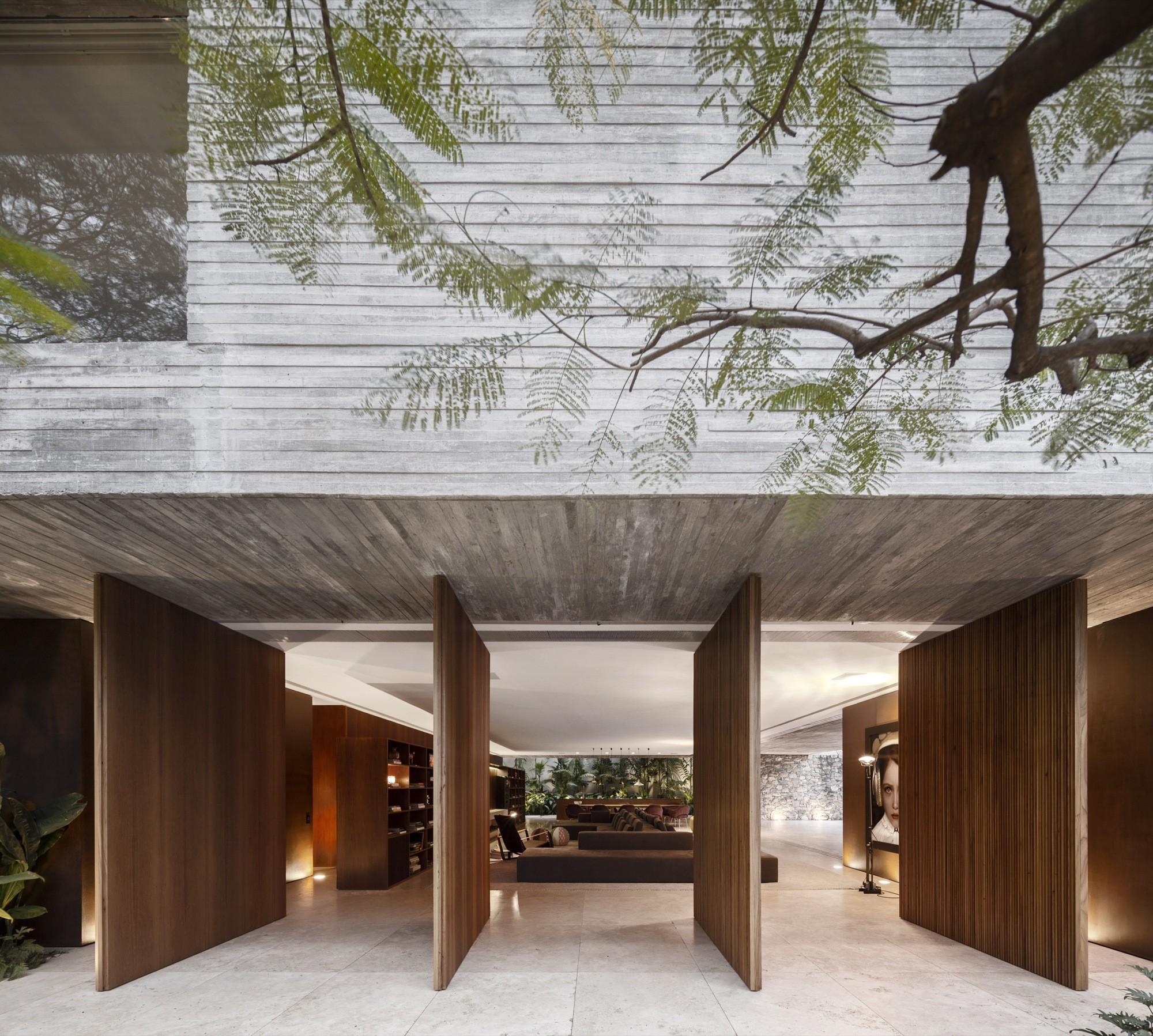 Ipes House / Studio MK27 - Marcio Kogan + Lair Reis, © Fernando Guerra | FG+SG