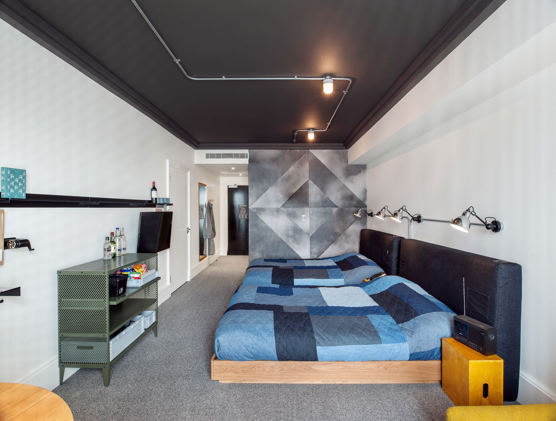 ace hotel london universal design studio archdaily. Black Bedroom Furniture Sets. Home Design Ideas