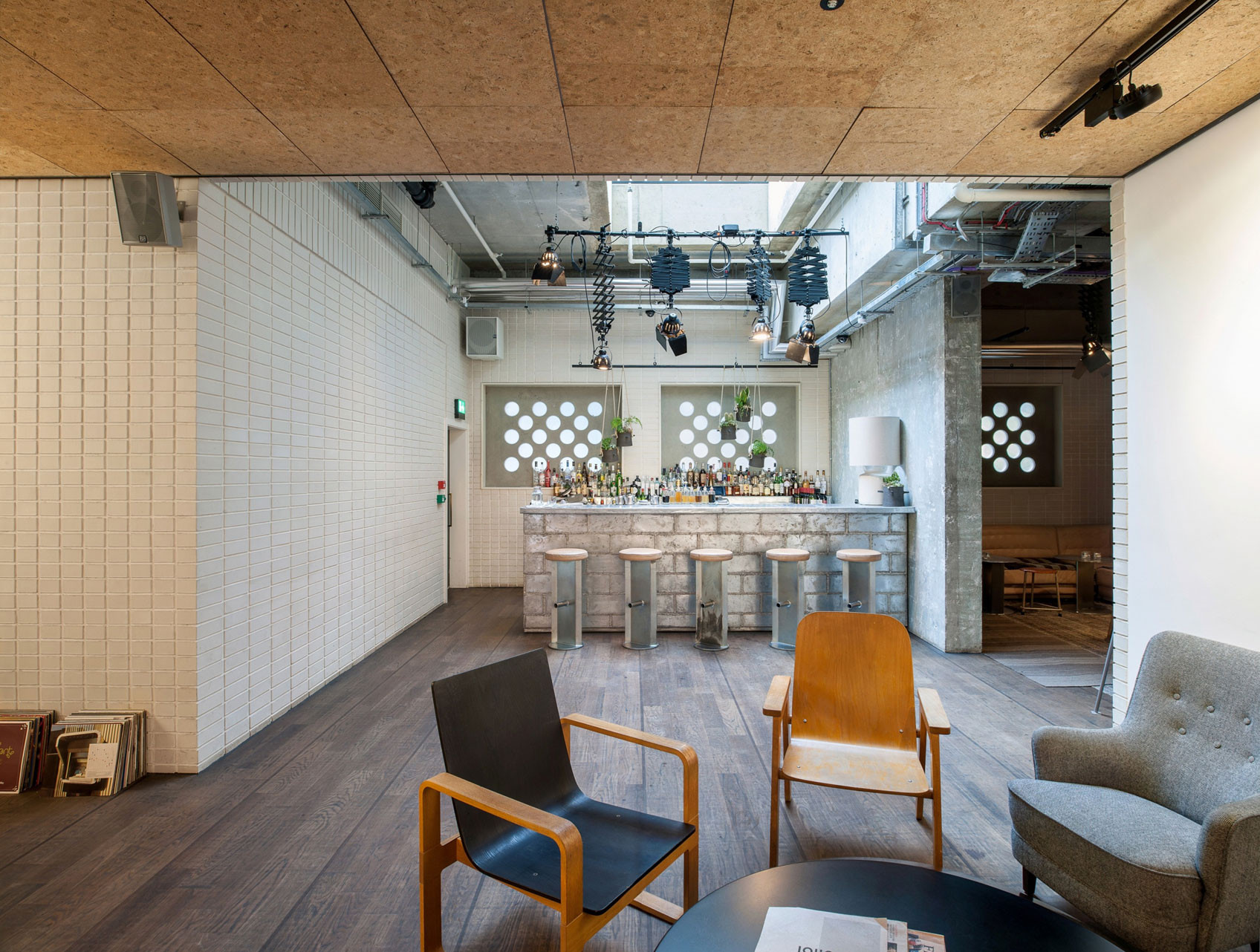 Gallery of ace hotel london universal design studio 17 for Designhotel london