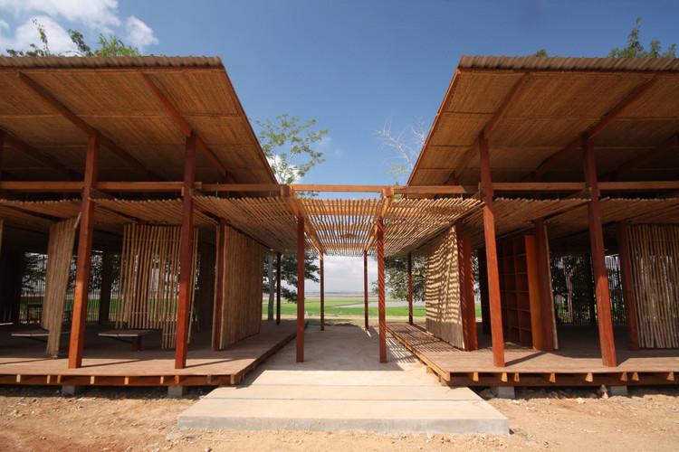 Reinventando las prácticas locales de construcción: Centro Comunitario Thon Mun en Camboya, Cortesía de Project Little Dream