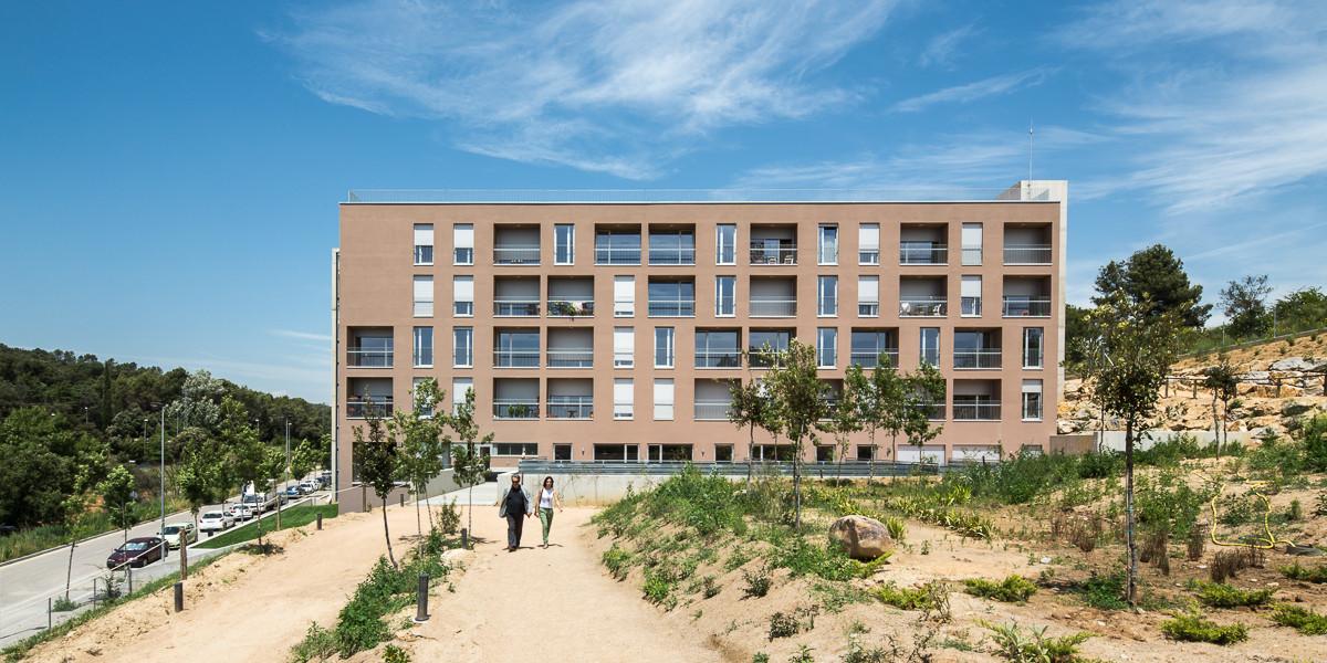 Social housing for people over 65 in Girona / Arcadi Pla Arquitectes, © Filippo Poli