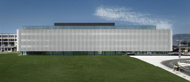 Edificio Sede del Parque Científico de la UPV / ACXT, © Aitor Ortiz