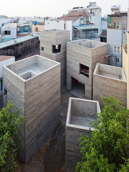 Masaaki Iwamoto's work at Vo Trong Nghia Architects in collaboration with Vo Trong Nghia and Kosuke Nishijima: House for Trees (Ho Chi Minh City, 2014). Image Courtesy of Wheelwright Prize