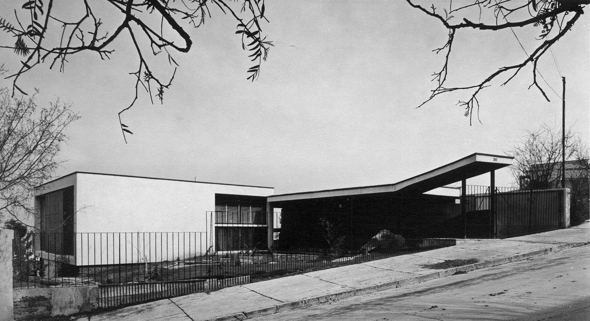 Clásicos de Arquitectura: Casa Rechmeier-Siewekw / Pablo Hegedüs Fekete & Carlos Bravo Valdés, © Foto Kabath, 1969