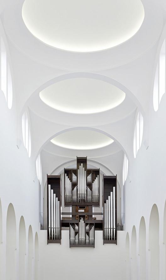 Interior Remodeling of St. Moritz Church / John Pawson © Hufton + Crow
