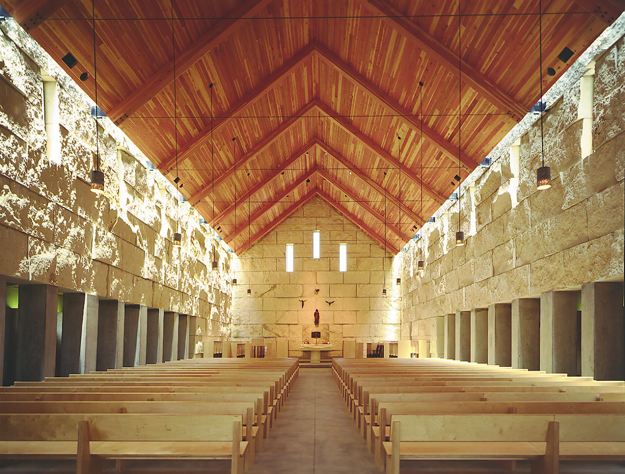 Cistercian Abbey Church / Cunningham Architects © James F. Wilson