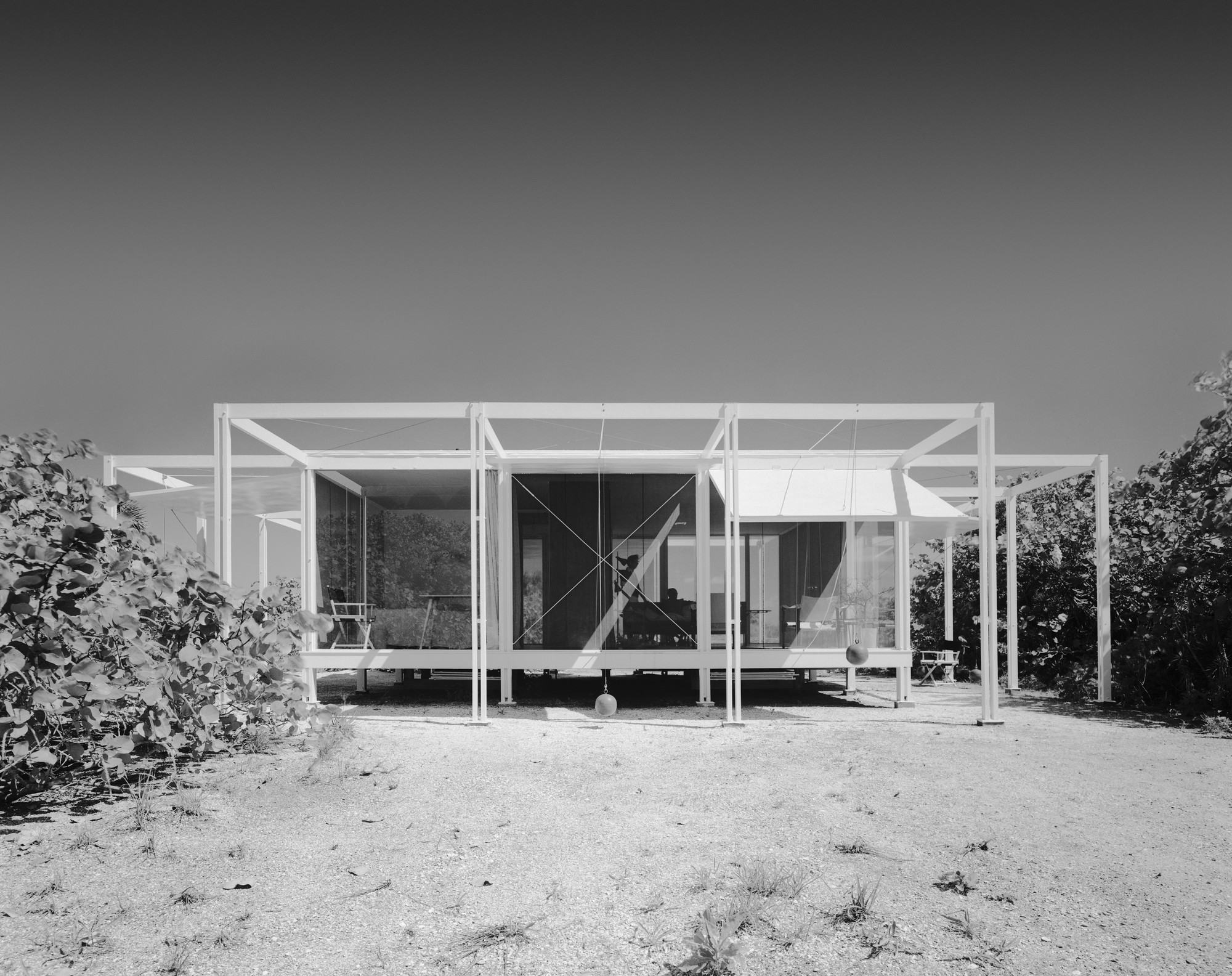 Walker Guest House; Sanibel Island, FL / Paul Rudolph and Ralph Twitchell. Image © Ezra Stoller / Esto