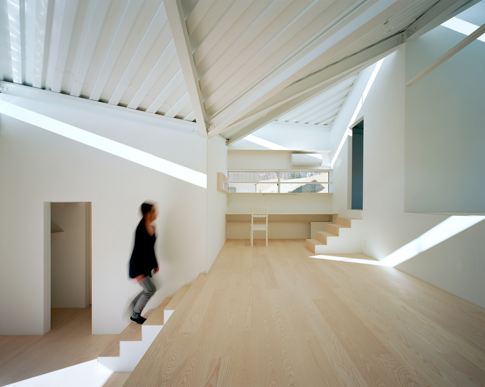 Roof on the hill alphaville architects archdaily for Definition of form and space in architecture