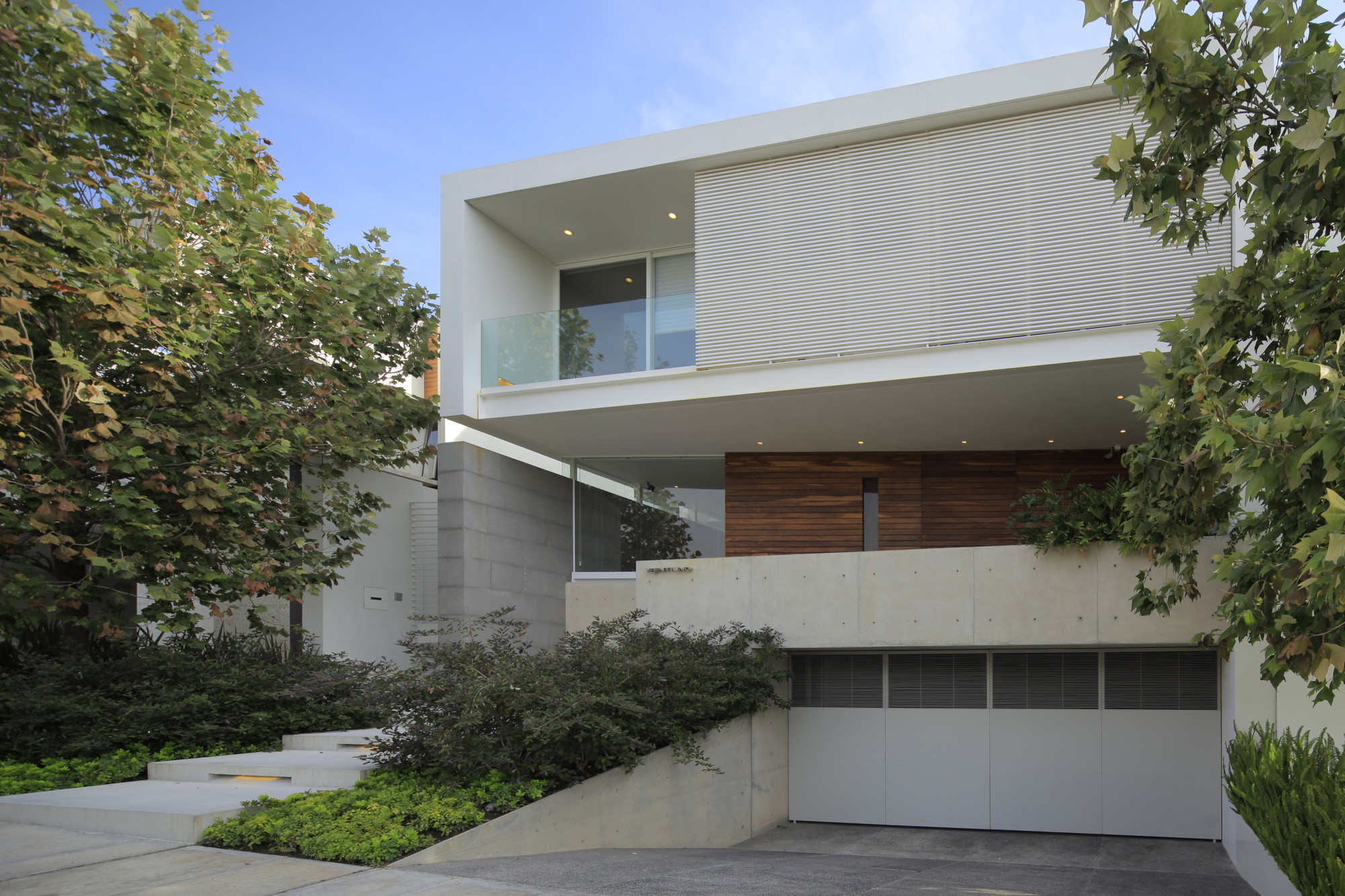 Casa veintiuno hern ndez silva arquitectos archdaily for Casas minimalistas modernas