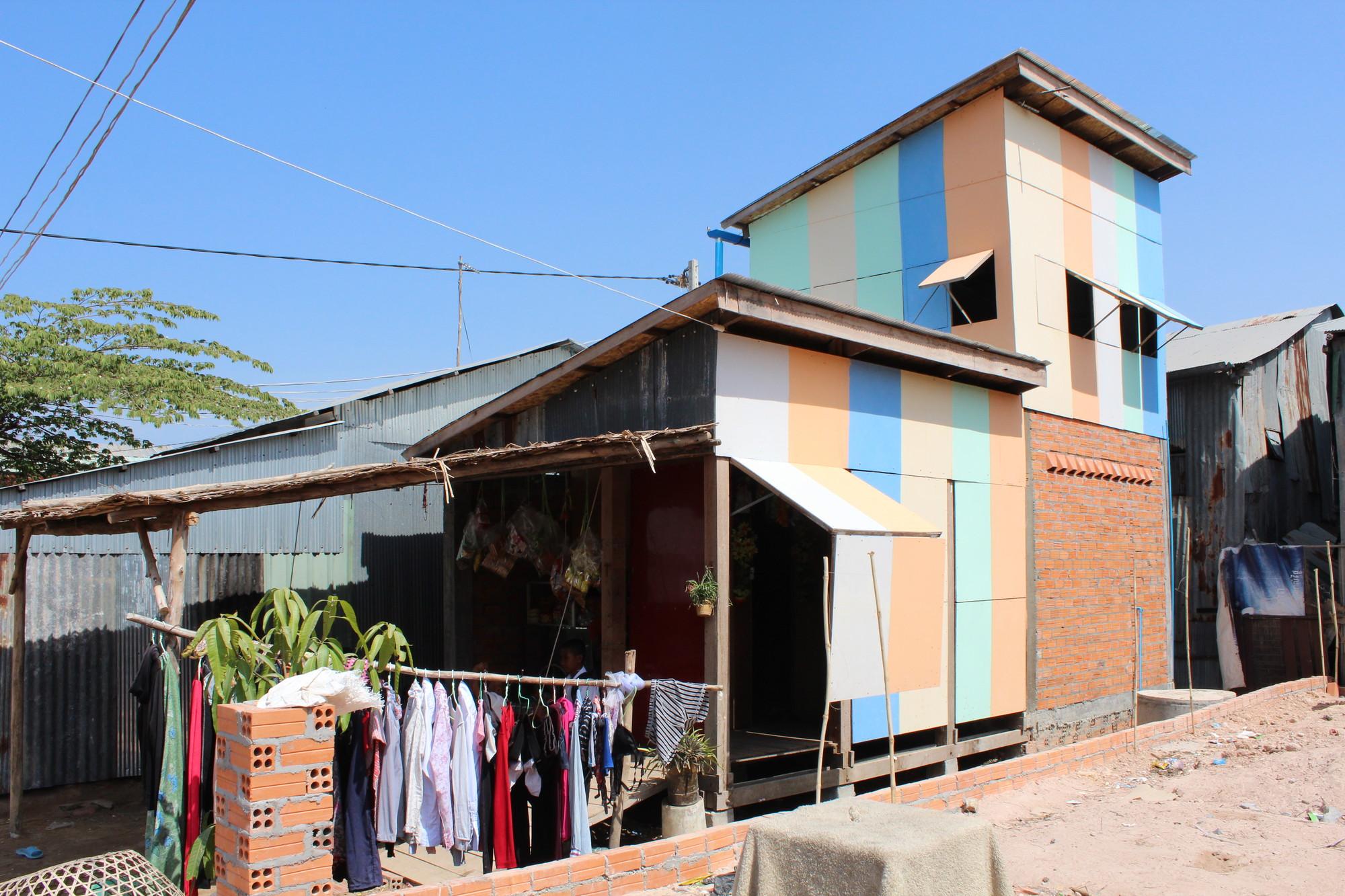 WET/DRY House . Imágen © Building Trust International